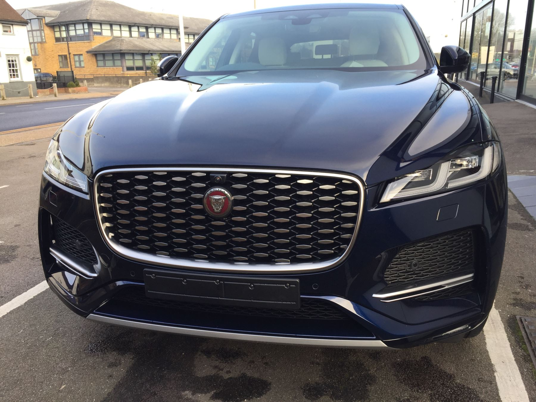 Jaguar F-PACE Contact us today and ask about our great offers on Stock Cars for immediate delivery.  image 3